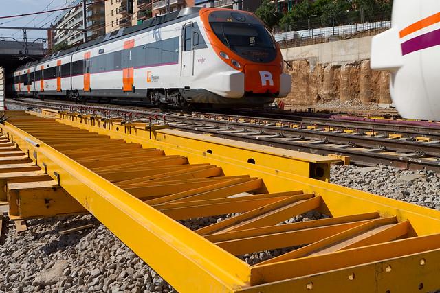 Cajón hincado en Triangle Ferroviari - Detalle de los refuerzos en las vías - 12-05-11