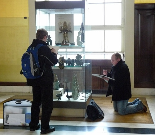 Sketching at the British Museum (by Claudecf)