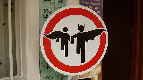 Prohibido Batan y Robin
