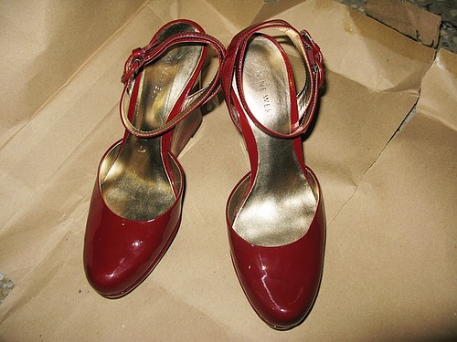Nine West紅色楔型鞋轉讓�