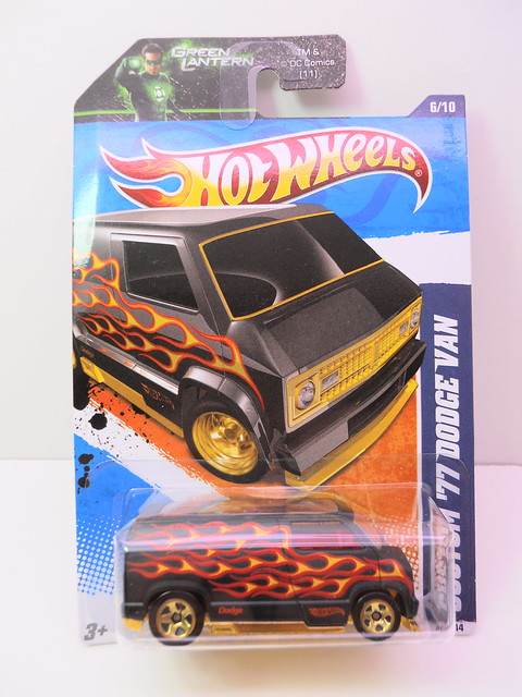 hot wheels custom '77 dodge van blk flames (1)