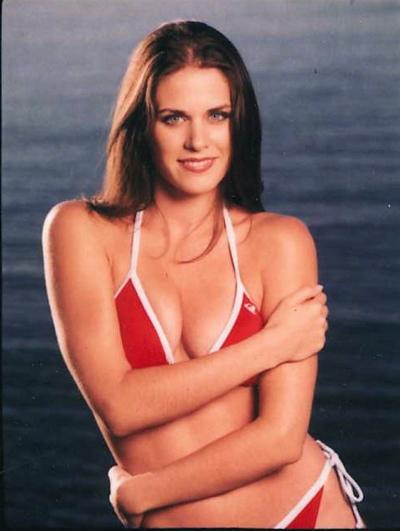 lisa bettany-swimwear-is-web-2point0