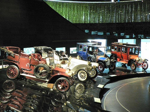 Mercedes Benz Museum: Early car models