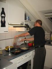 Pat kocht gelbes Curry