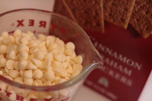 White chocolate and graham crackers