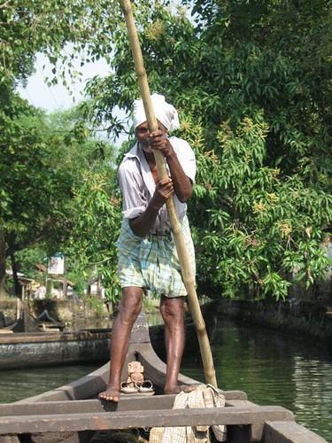 El bon home de la canoa