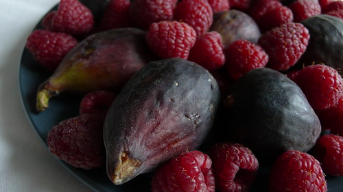 Figs+Raspberries