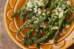 Roasted asparagus breadcrumbs 1