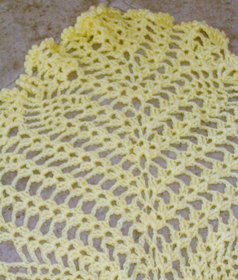 Finished lacy baby blanket detail 2