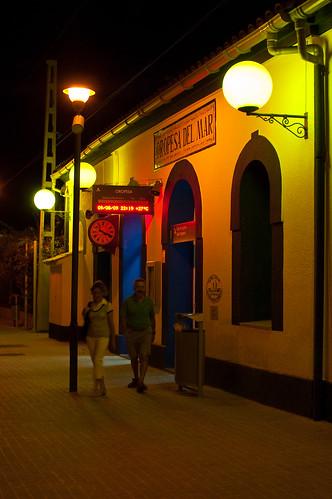 La estación de Oropesa por la noche
