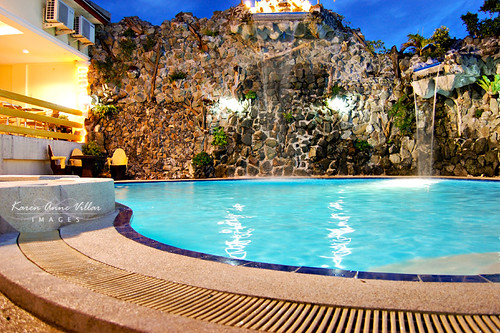 Initially, I dont have plans of swimming, but this pool is just too tempting. Agree?
