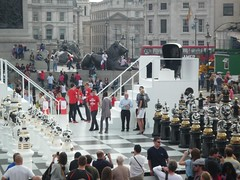 Trafalgar Square Chess Set (2)