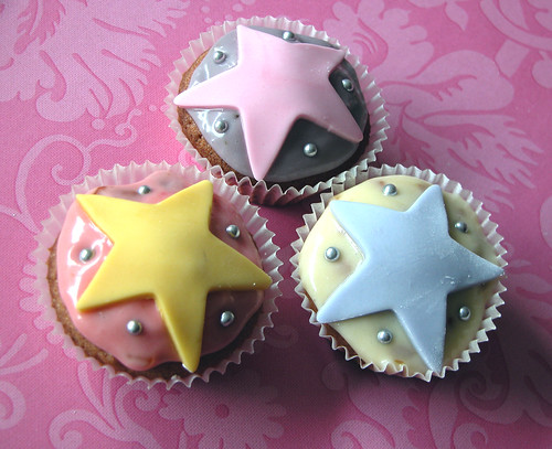 Starry cupcakes