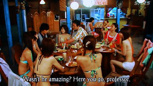 Yukawa Sensei dikelilingi cewek berbikini.. XD