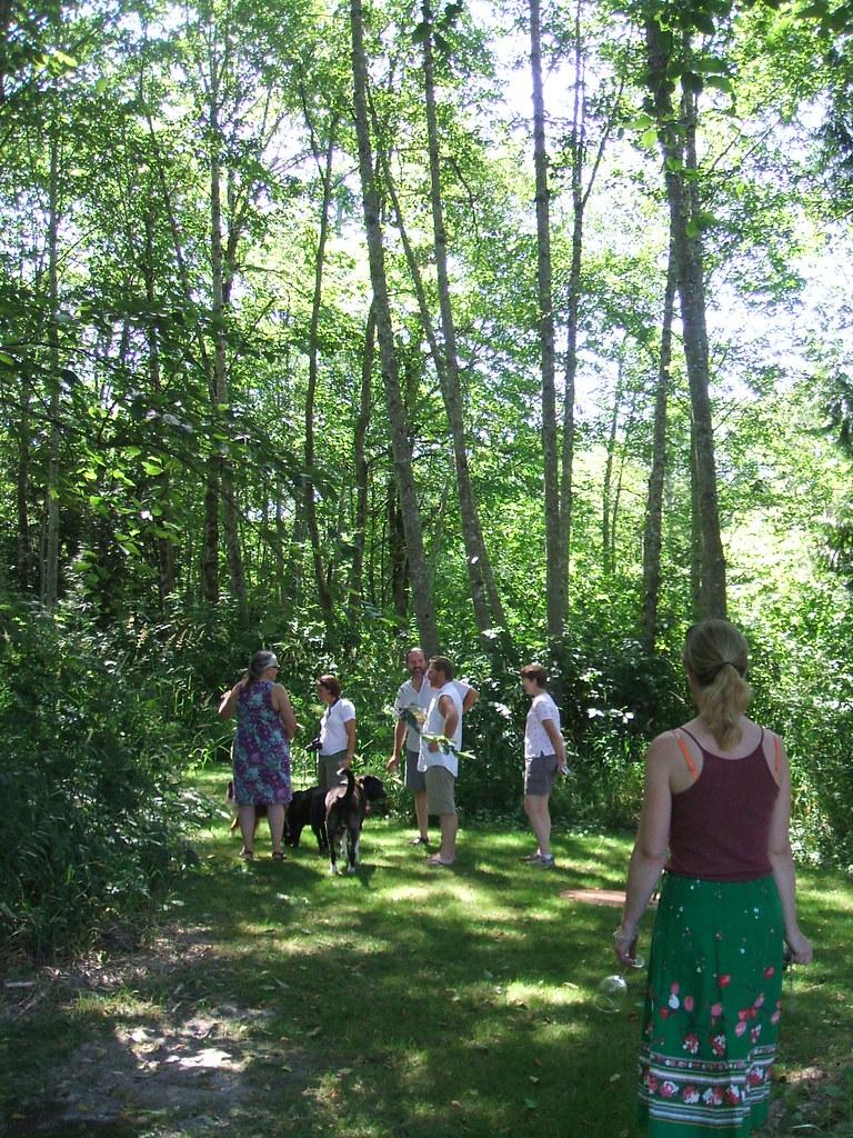 Garden bloggers in the woods