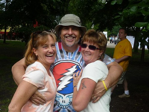 IL - Chicago Blues Fest 2 - Dave with Roberta & Jodi