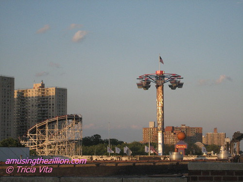 New Ride on the Skyline: Butler Amusements Star Dancer. Photo © Tricia Vita/me-myself-i via flickr