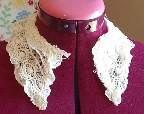 net lace collar vintage/antique