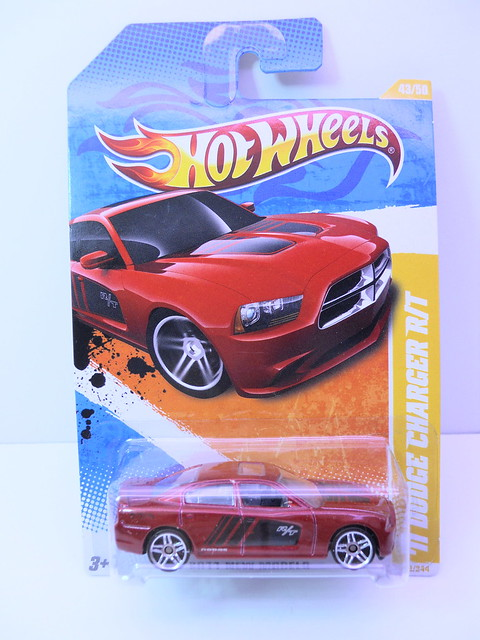 hot wheels '11 dodge charger rt (2)