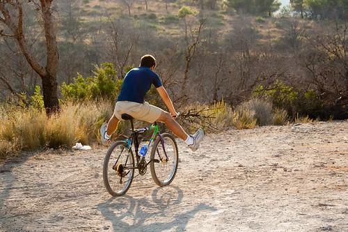 Haciendo el indio con la bici (II)