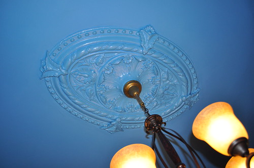 1st floor, living room ceiling medallion