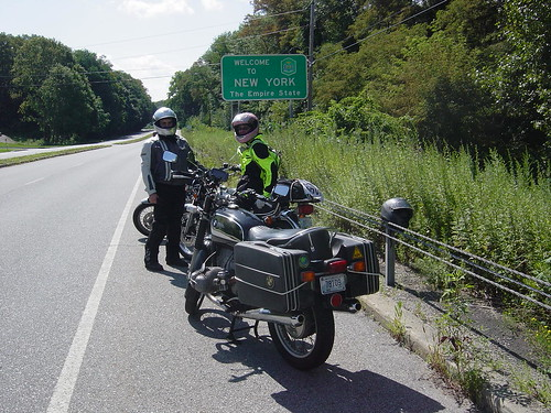 Erik and me at the New York State/Connecticut border on Route 6 ... yeehaa!