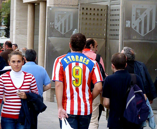 Atletico Madrid fan F. Torres 9 jersey
