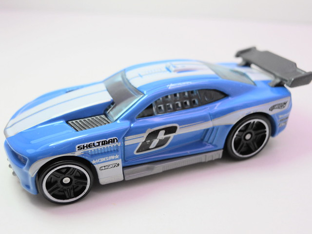 hot wheels custom '11 camaro blue (3)