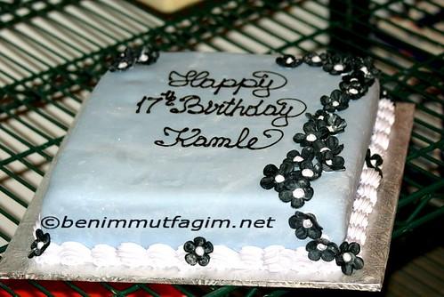 siyah  cicek li pasta by you.