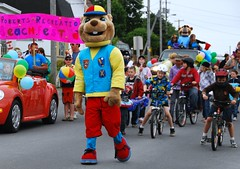Chomper at the Klondyke Parade 09
