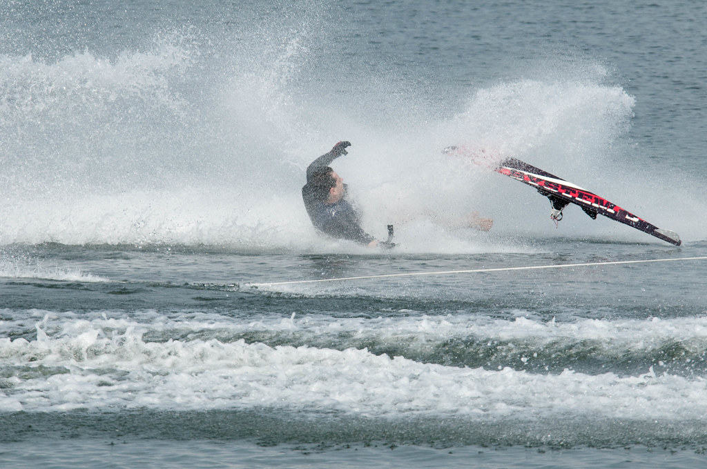Water Skier crashing out