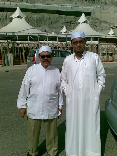 Inilah dia Pak Taufik, semasa melawat Mina. Kelajuan 150km/j adalah biasa baginya :)