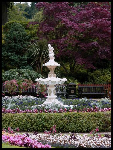 Dingle Garden, subtle shades