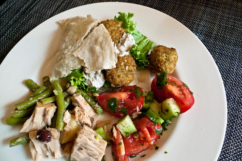 Falafel and salade niçoise