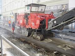 Westbahnstr-Track-renew-Aug09-13