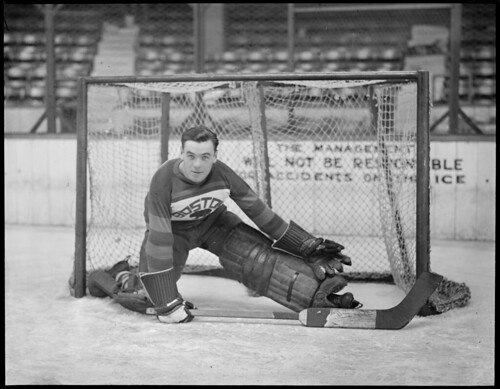 Bruins goalie Tiny Thompson