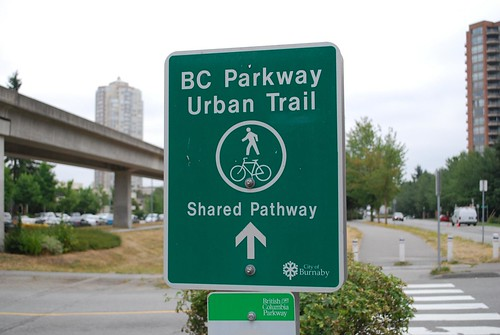 parkway trail sign