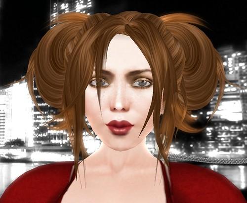 inai Holiday Misfit Face Closeup