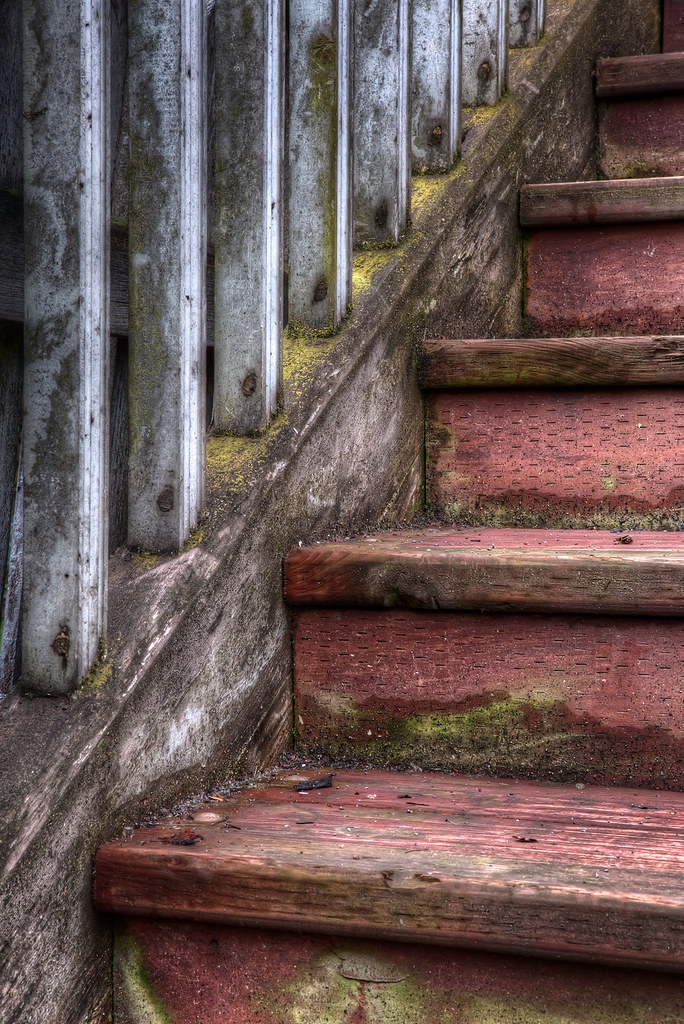 http://www.flickr.com/photos/michaeltuuk/5709250674/in/photostream