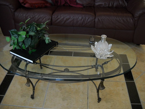 Coffee Table by sheri_and_suzan.