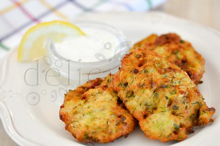 zucchini fritters (9 of 11)