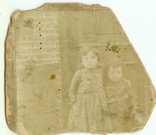 1901 Hannah Brandt and her older sister