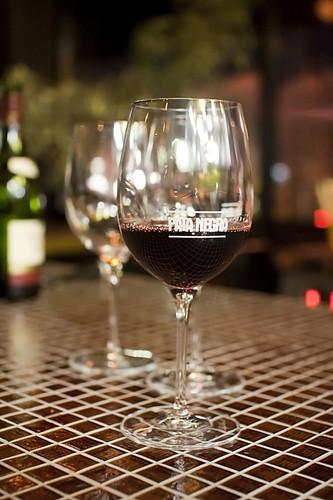 Spanish red wine from Pata Negra