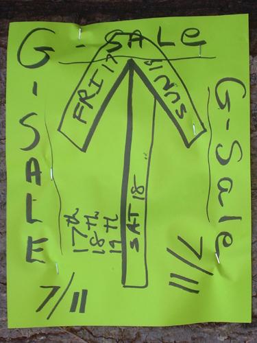 """Deranged """"G-SALE"""" sign"""