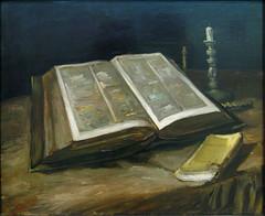 Stilleven met bijbel