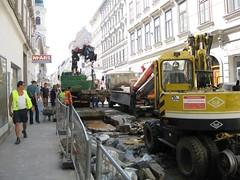 Westbahnstr-Track-renew-Aug09-05