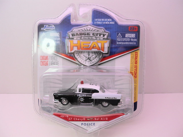 jada toys badge city heat wave 2 1957 chevy bel air (1)