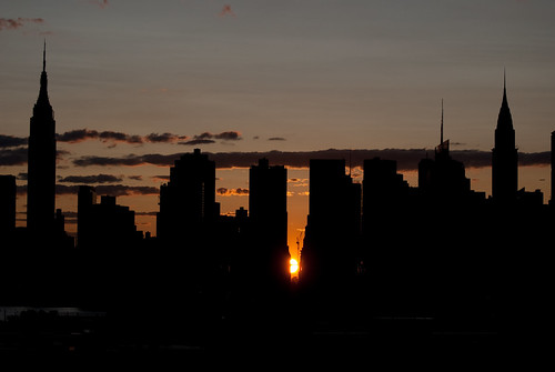 Manhattanhenge 38th street -July 12, 2009