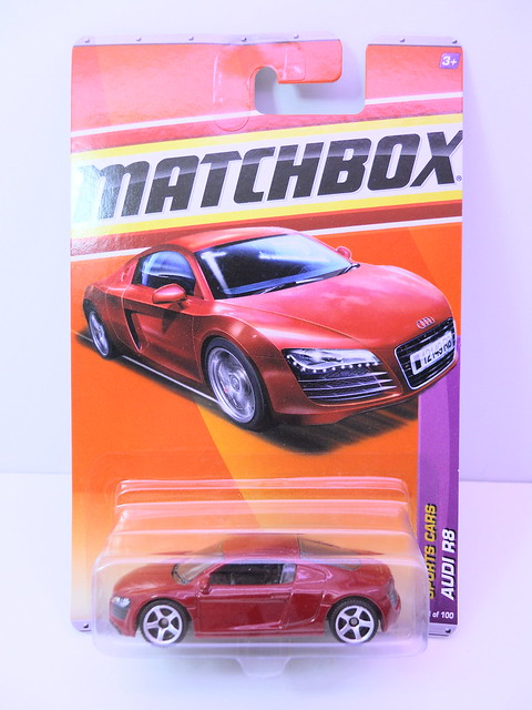 matchbox audi r8 red (1)