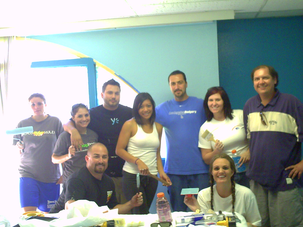 Martin Canchola, Kelly Hitterdal, and the Valley Young Professionals Paint a room at Oak Grove in Murrieta CA